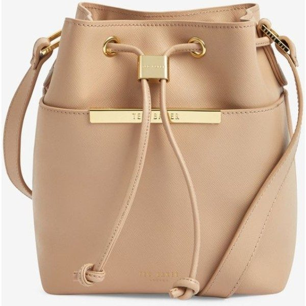 bucket-bags-4 26+ Awesome Handbag Trends for Women in 2018