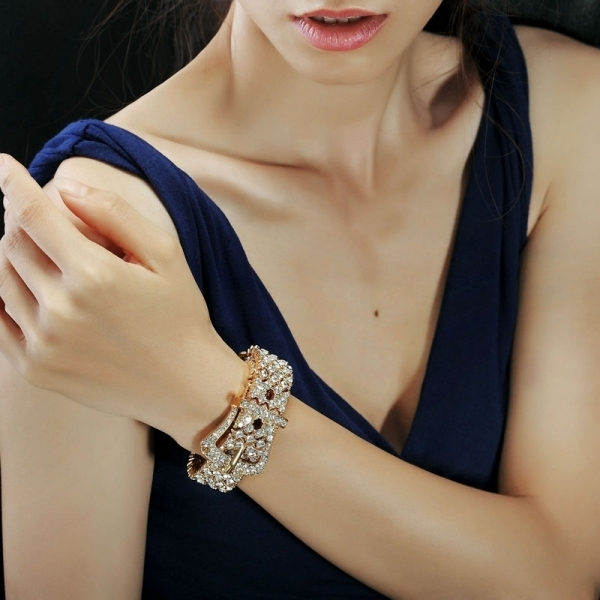 buckles-5 23+ Most Breathtaking Jewelry Trends in 2021 - 2022