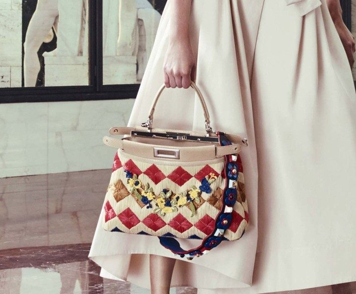 catchy-top-handles-and-straps-3 26+ Awesome Handbag Trends for Women in 2018