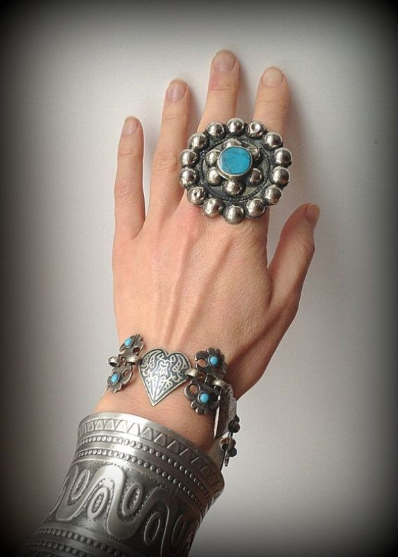 charms-and-amulets-1 23+ Most Breathtaking Jewelry Trends in 2020