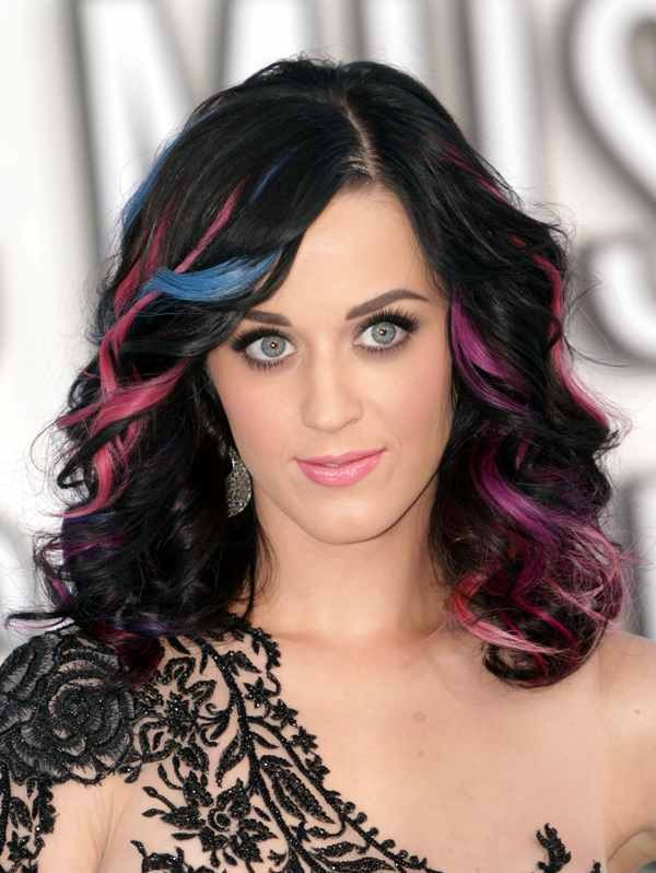 deep-side-part-4 20+ Hottest Haircuts & Hairstyles for Women in 2020