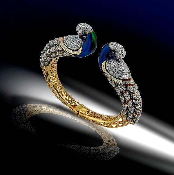 diamond-jewelry-pieces-for-more-luxury-7 23+ Most Breathtaking Jewelry Trends in 2020