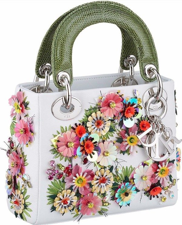 embellished-handbags-2 26+ Awesome Handbag Trends for Women in 2020