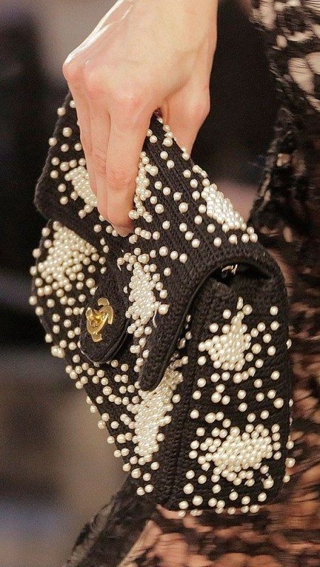 embellished-handbags-4 26+ Awesome Handbag Trends for Women in 2020