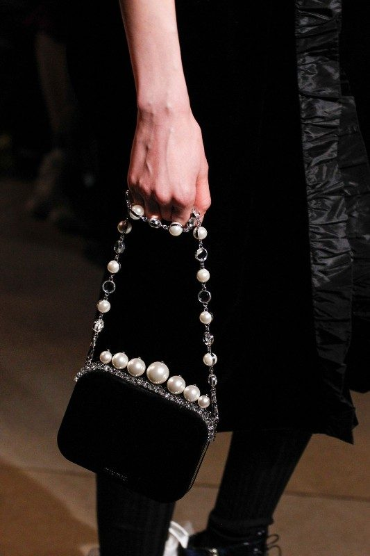 embellished-handbags-6 26+ Awesome Handbag Trends for Women in 2020