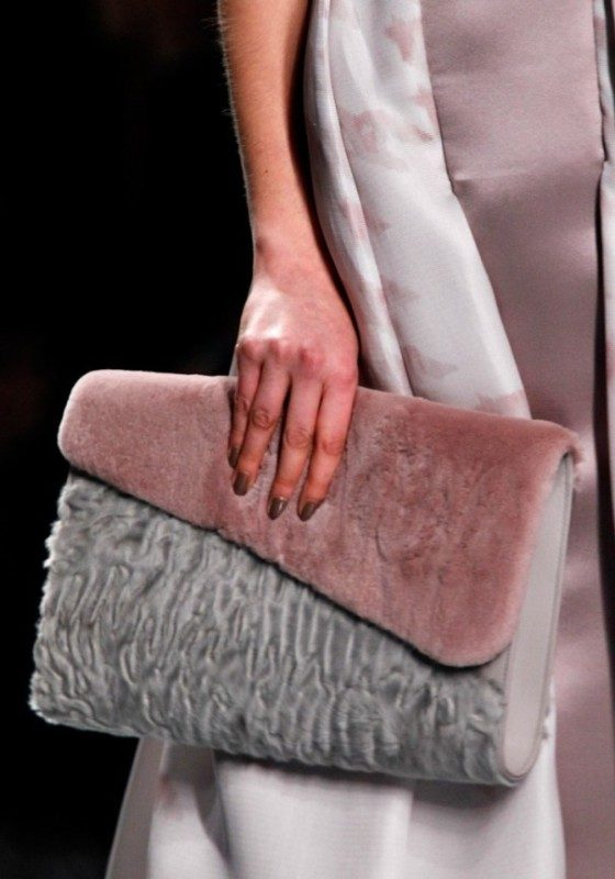 fur-handbags-3 26+ Awesome Handbag Trends for Women in 2018