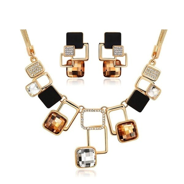 geometric-jewelry-2 23+ Most Breathtaking Jewelry Trends in 2021 - 2022