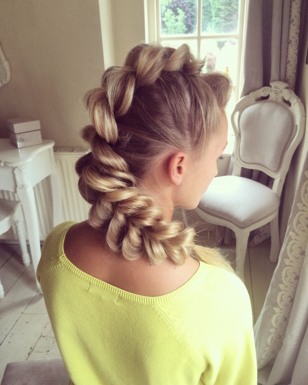 maxresdefault Most Trendy Classic Prom Hairstyles of Long Hairs