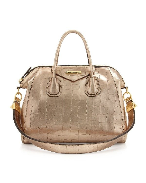 metallic-handbags-4 26+ Awesome Handbag Trends for Women in 2018