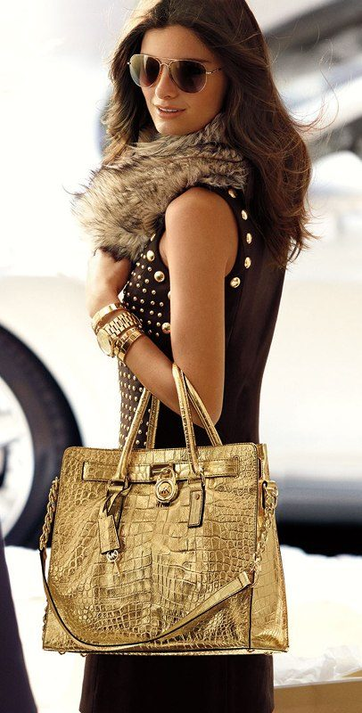 metallic-handbags 26+ Awesome Handbag Trends for Women in 2018