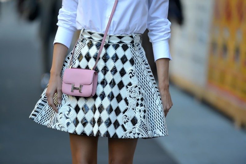 mini-bags-6 26+ Awesome Handbag Trends for Women in 2020