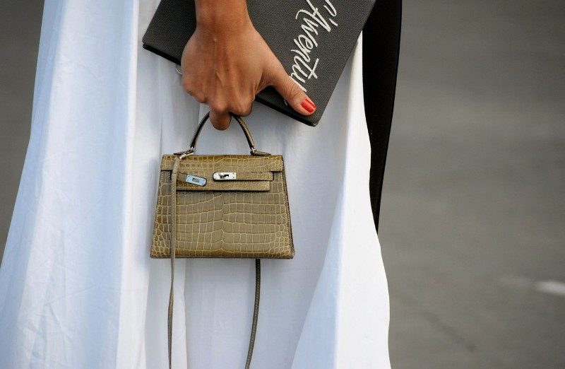 mini-bags-7 26+ Awesome Handbag Trends for Women in 2020