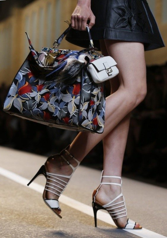 multiple-bags-1 26+ Awesome Handbag Trends for Women in 2020