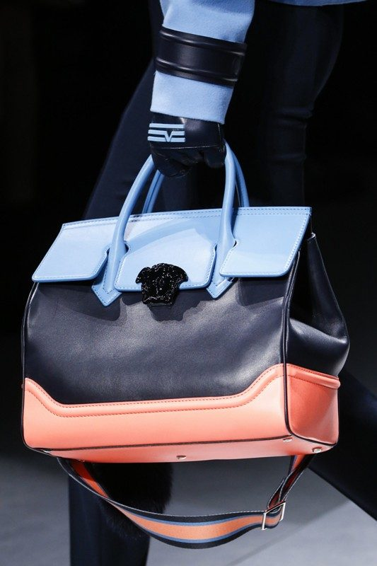 oversized-handbags-2 26+ Awesome Handbag Trends for Women in 2020