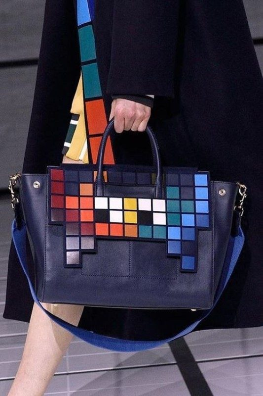 oversized-handbags-3 26+ Awesome Handbag Trends for Women in 2018