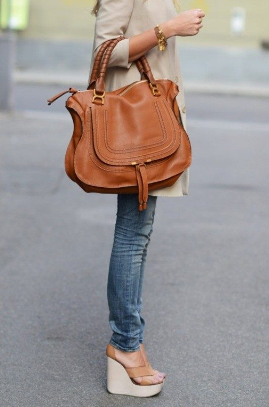 oversized-handbags-6 26+ Awesome Handbag Trends for Women in 2020