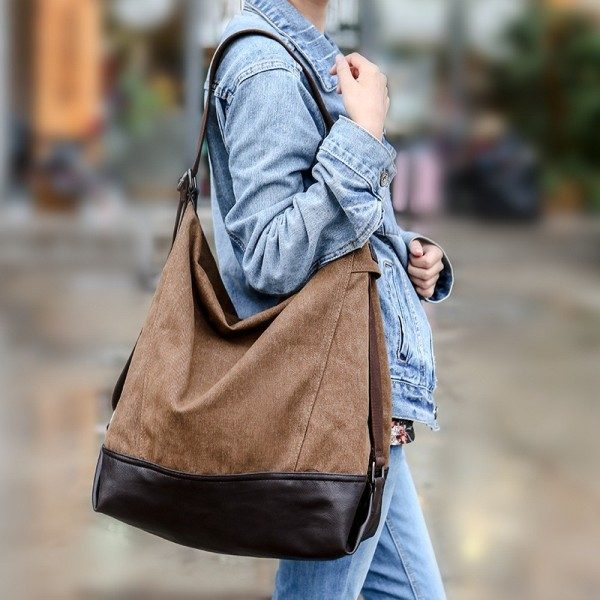 oversized-handbags-7 26+ Awesome Handbag Trends for Women in 2020