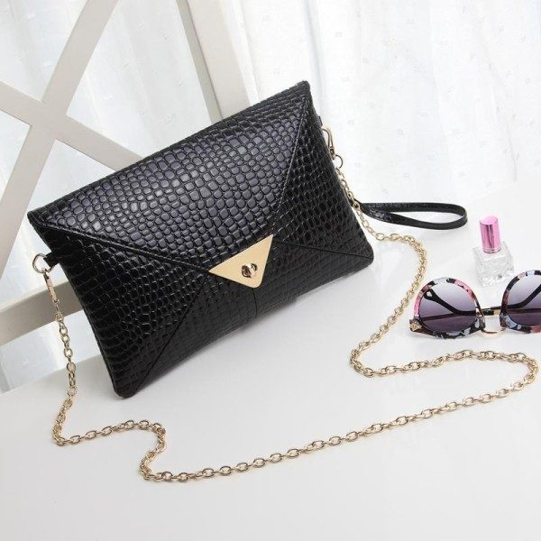 reptile-skin-handbags-6 26+ Awesome Handbag Trends for Women in 2018