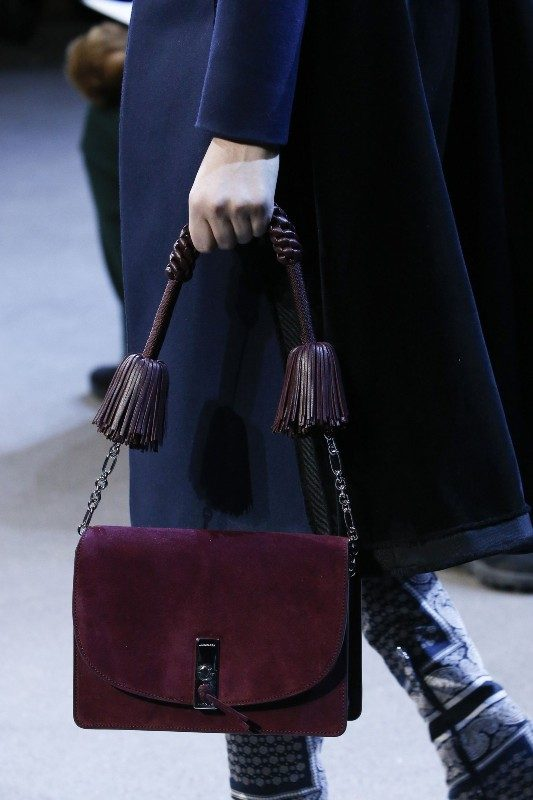 saddle-bags-3 26+ Awesome Handbag Trends for Women in 2020