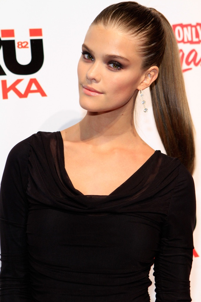 sleek Most Trendy Classic Prom Hairstyles of Long Hairs