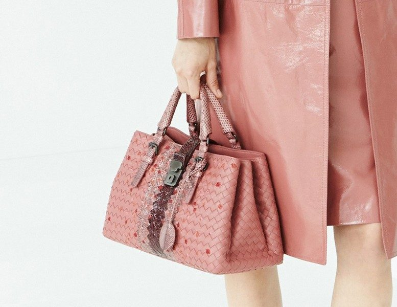 top-handles-6 26+ Awesome Handbag Trends for Women in 2018