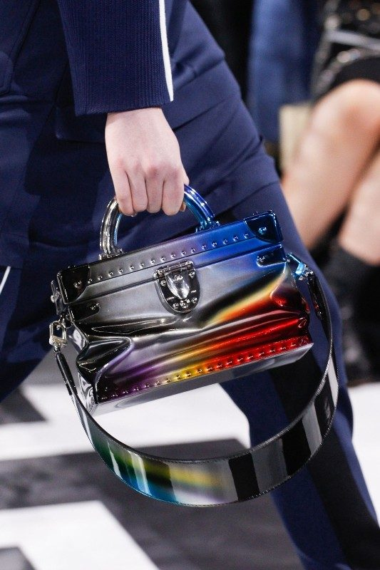 top-handles 26+ Awesome Handbag Trends for Women in 2018