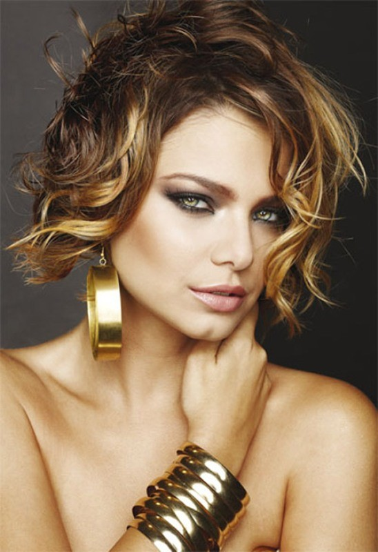 wavy-hair-1 20+ Hottest Haircuts & Hairstyles for Women in 2020