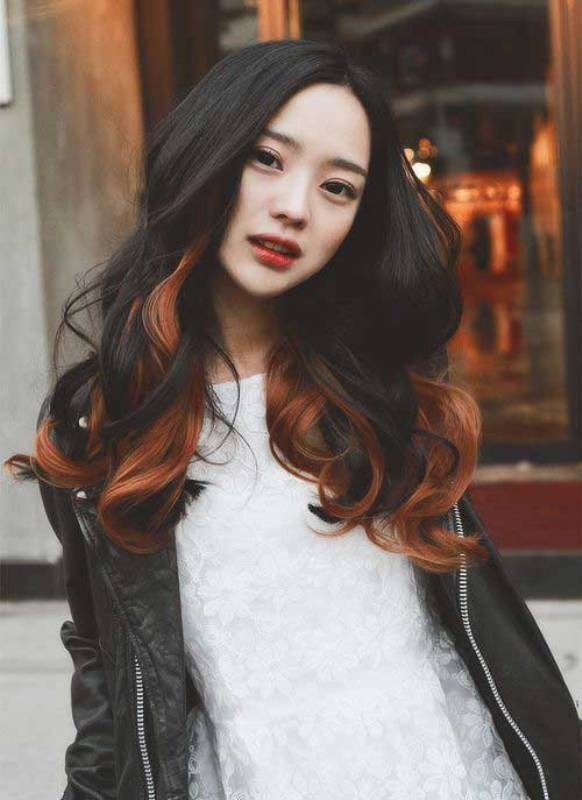 wavy-hair-3 20+ Hottest Haircuts & Hairstyles for Women in 2018