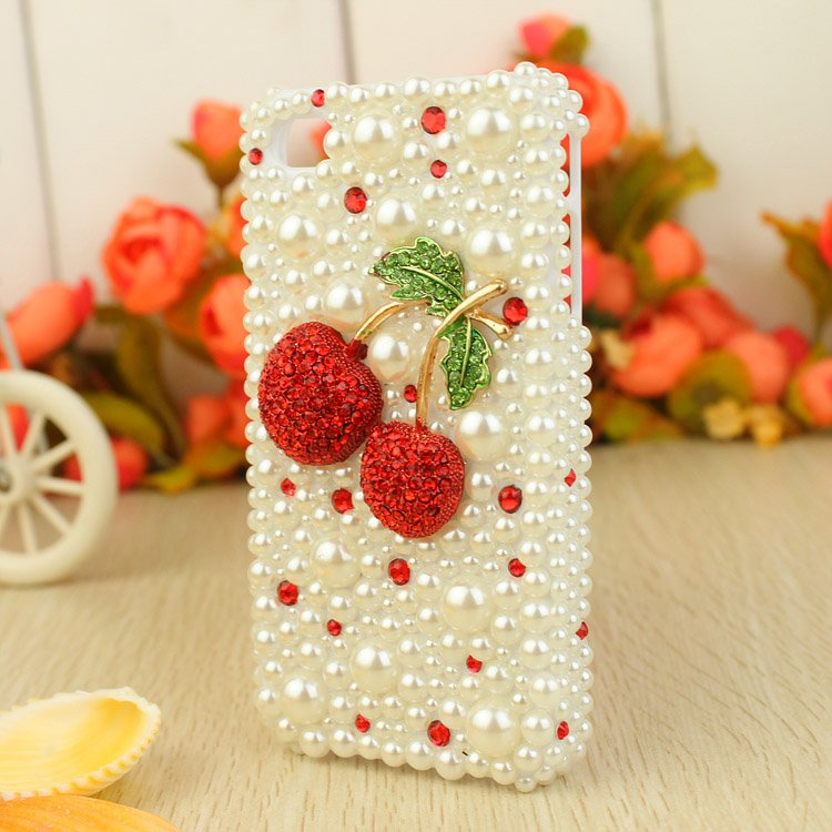 Free-shipping-Rhinestone-Crystal-Diamond-3D-Hard-mobile-phone-Case-Cover-for-iphone4-4s-white-beads 80+ Diamond Mobile Covers