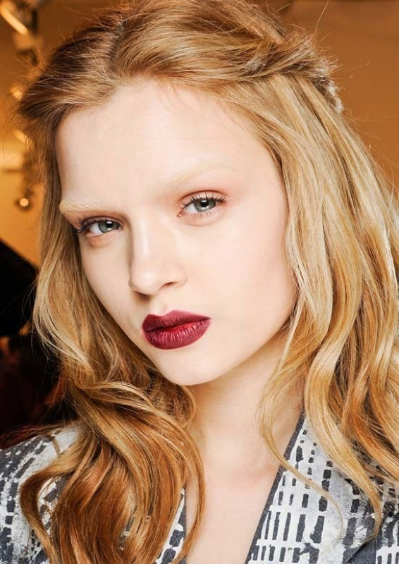 bleached-brows-3 14 Latest Makeup Trends to Be More Gorgeous in 2020