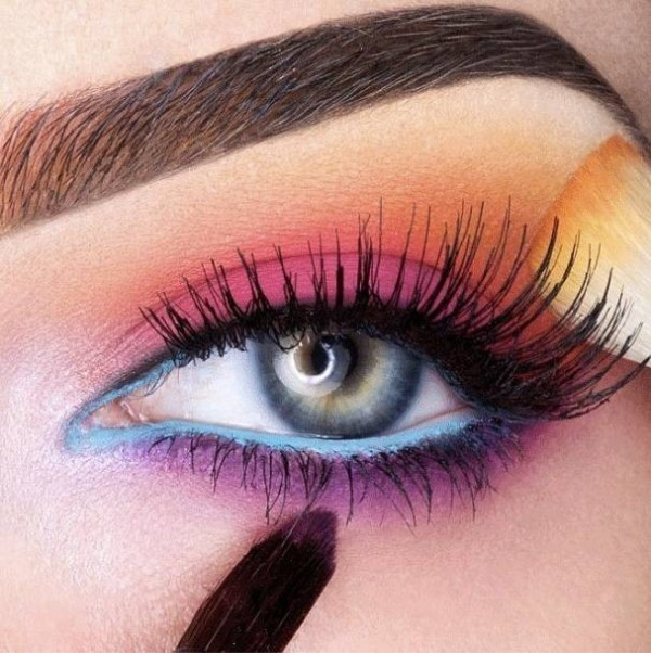 colorful-eye-makeup-3 14 Latest Makeup Trends to Be More Gorgeous in 2020