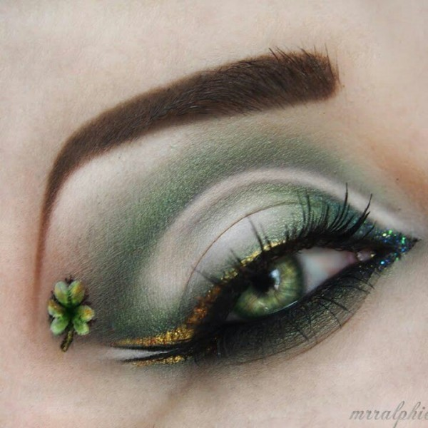 colorful-eye-makeup-4 14 Latest Makeup Trends to Be More Gorgeous in 2020