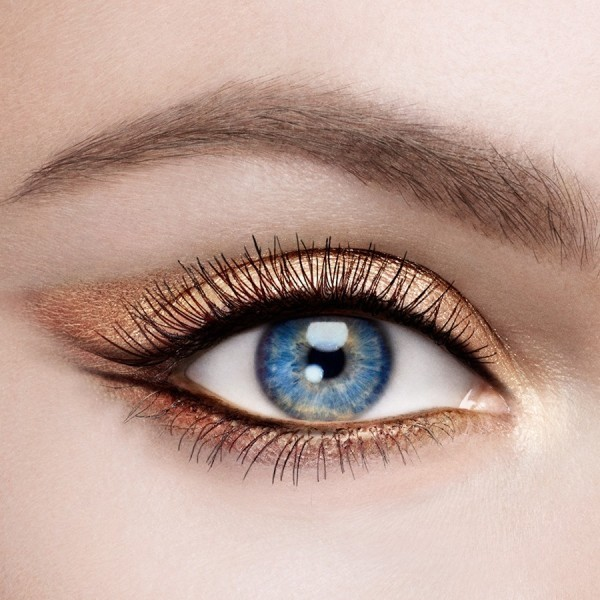 copper-eye-makeup-3 Three Accessories That Brides Shouldn't Skip