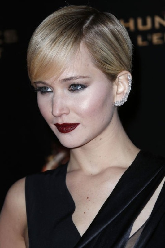 dark-lips-6 14 Latest Makeup Trends to Be More Gorgeous in 2020