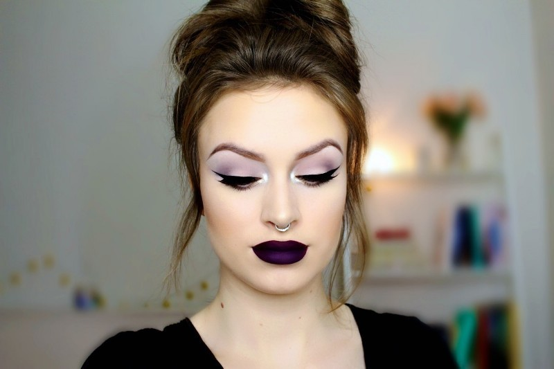 dark-lips-7 14 Makeup Trends to Be More Gorgeous in 2017
