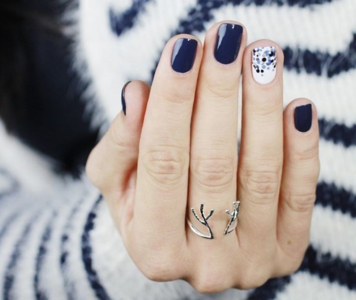 dark-nails-10 28+ Dazzling Nail Polish Trends You Must Try in 2019