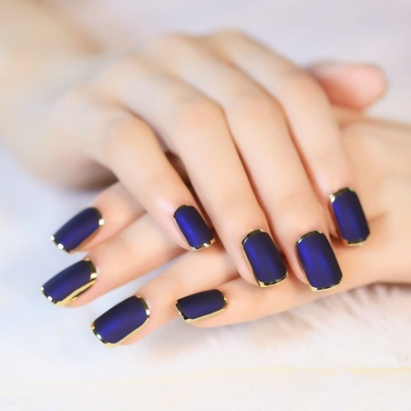 dark-nails-14 28+ Dazzling Nail Polish Trends You Must Try in 2018