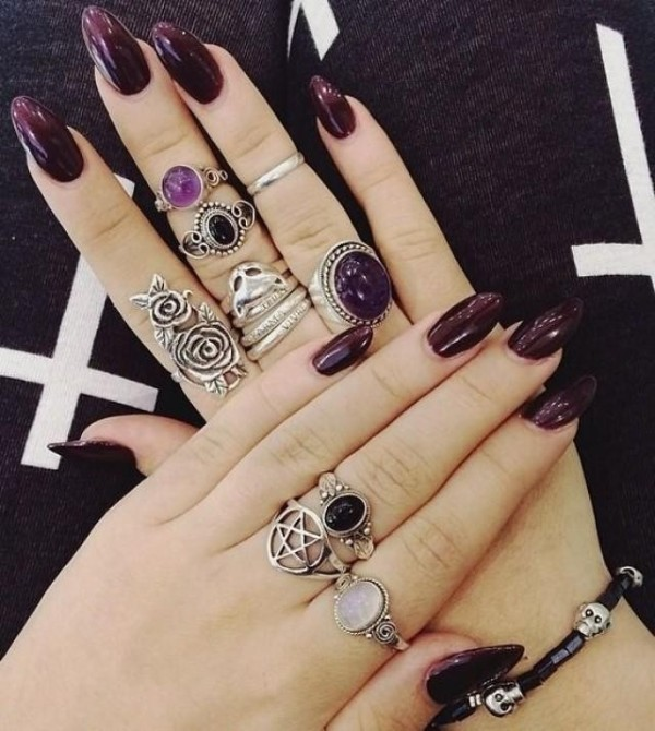 dark-nails-7 28+ Dazzling Nail Polish Trends You Must Try in 2019