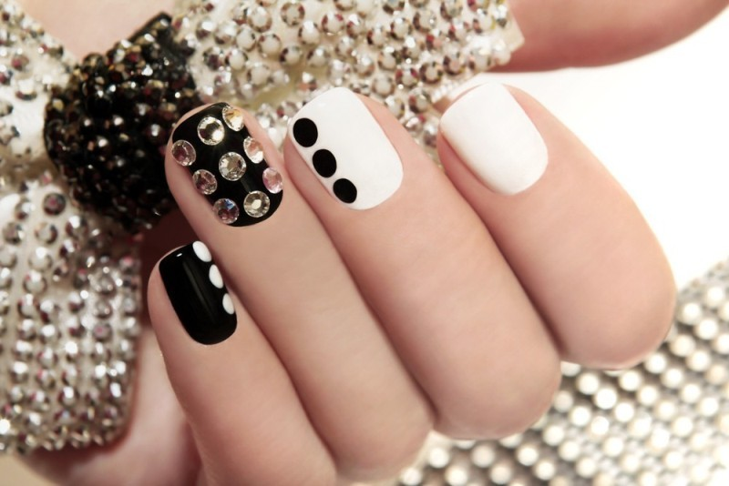 embellished-nails-4 28 Dazzling Nail Polish Trends You Must Try in 2017