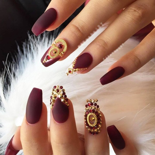embellished-nails-6 28+ Dazzling Nail Polish Trends You Must Try in 2021