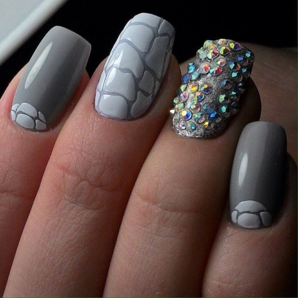 embellished-nails-8 28+ Dazzling Nail Polish Trends You Must Try in 2021