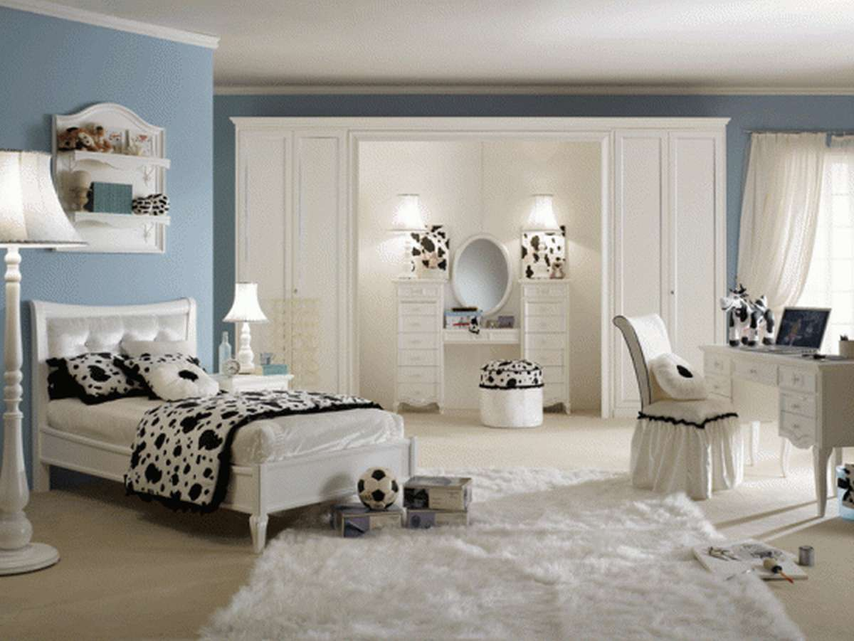 fancy-blue-wall-paint-color-background-with-black-and-white-cow-bedroom-theme-decor-plus-cream-area-rug-design 5 Main Bedroom Design Trends For 2018
