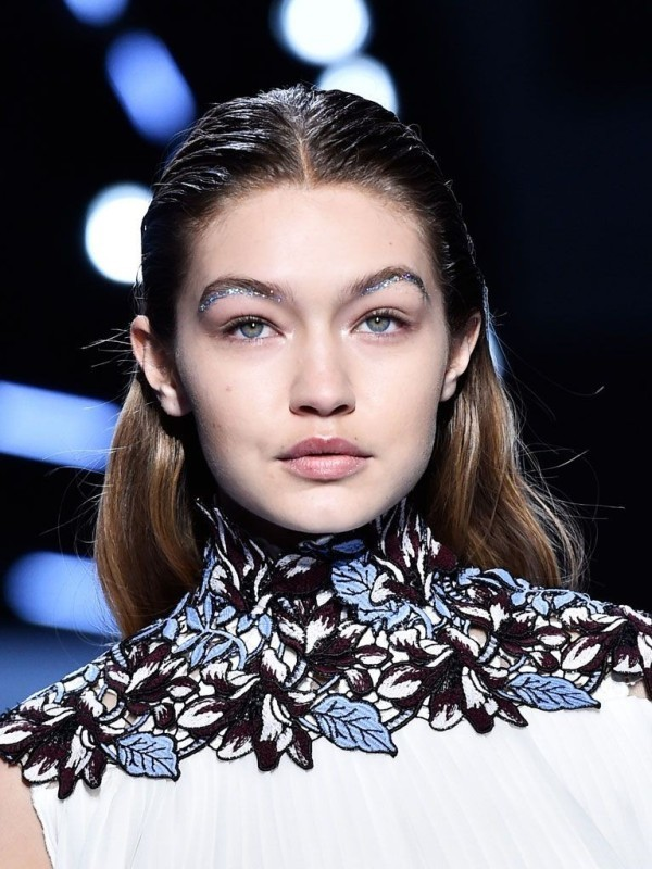 glittering-eyes-2 14 Latest Makeup Trends to Be More Gorgeous in 2020