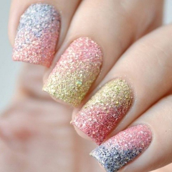 glittering-nails-11 28 Dazzling Nail Polish Trends You Must Try in 2017