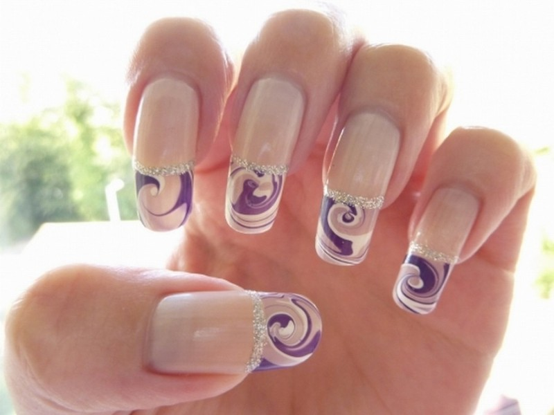 glittering-nails-12 28 Dazzling Nail Polish Trends You Must Try in 2017
