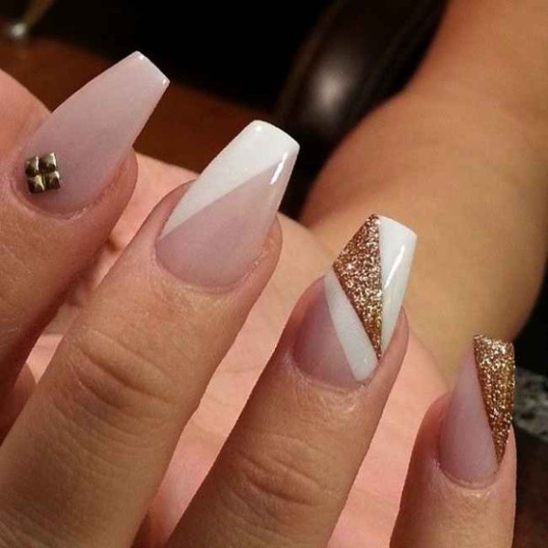 glittering-nails-16 28 Dazzling Nail Polish Trends You Must Try in 2017