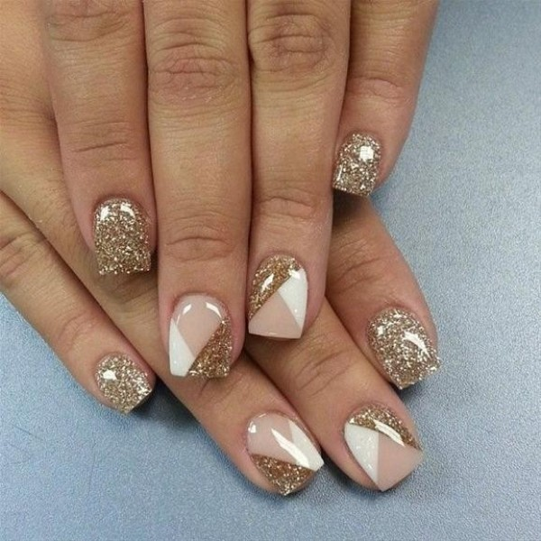 glittering-nails-19 28+ Dazzling Nail Polish Trends You Must Try in 2021