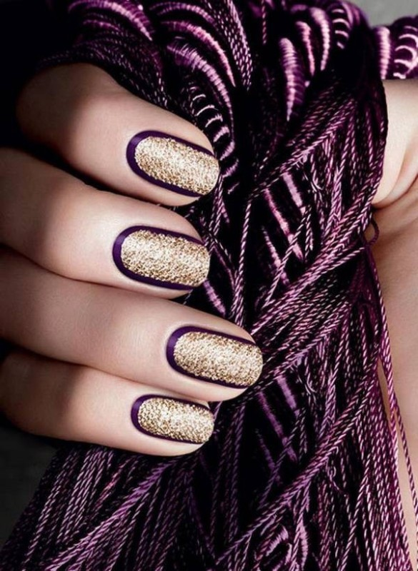 glittering-nails-2 28 Dazzling Nail Polish Trends You Must Try in 2017