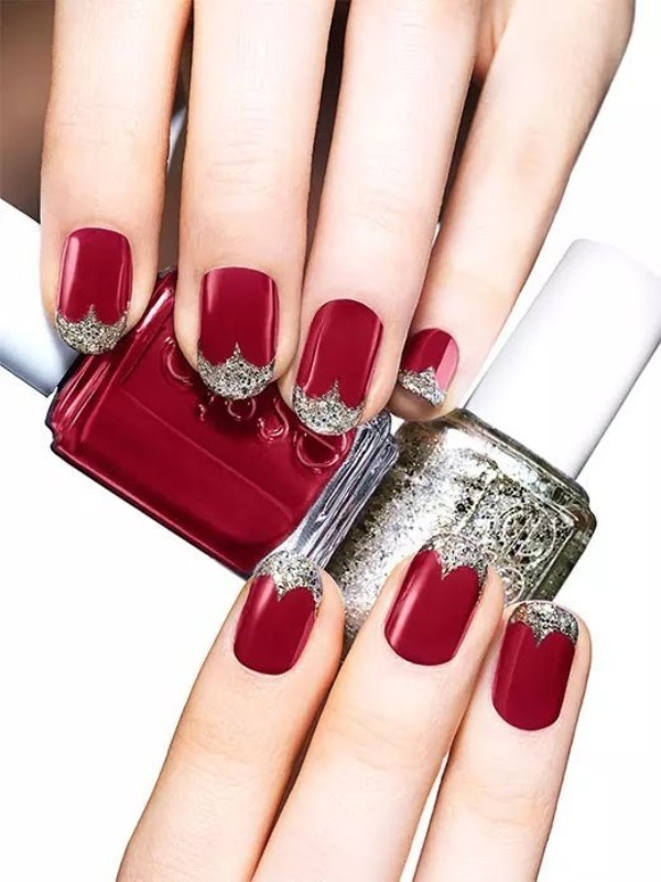 glittering-nails-3 28 Dazzling Nail Polish Trends You Must Try in 2017