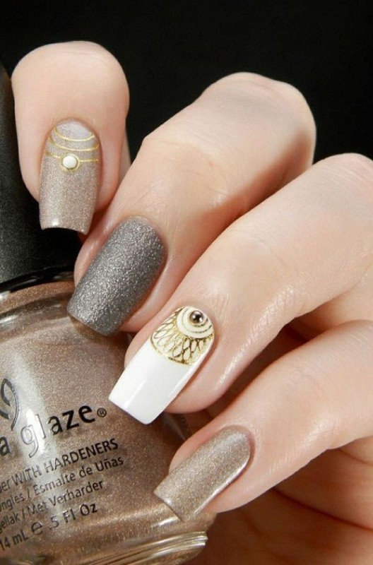 glittering-nails 28+ Dazzling Nail Polish Trends You Must Try in 2018